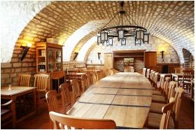 Oroszlanos Wine Restaurant & Hotel, Tallya, Wine tasting