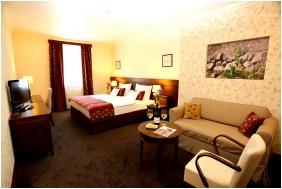 Oroszlanos Wine Restaurant & Hotel, Superior room