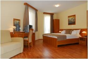 Panorama Wellness Apartman Hotel, Hajduszoboszlo, Outsıde pool