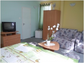 Room for four people, Panorama Guesthouse, Miskolctapolca
