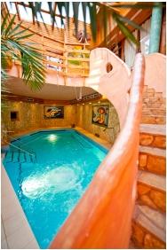 Park Hotel Ambrozia, Inside pool