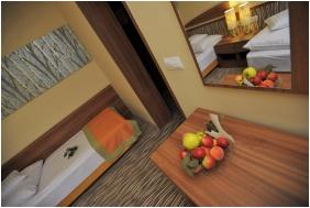 Twin room, Park Hotel Gyula, Gyula