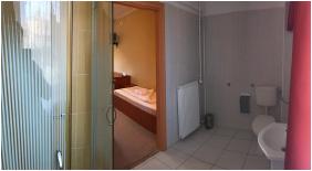 Pelso Panzió, Balatonmáriafürdô, szobabelső