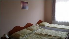 Stop Panzió, Háromágyas szoba - Debrecen