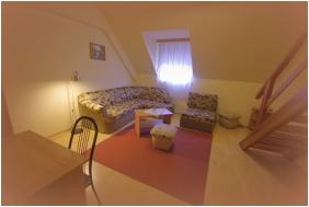 Family Room, Hotel Vadászkürt, Székesfehérvár