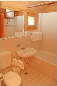 Bathroom, Petnehazy Club Hotel, Budapest