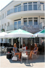 Plage Hotel, In the summer