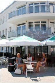 Plage Hotel, Nyáron