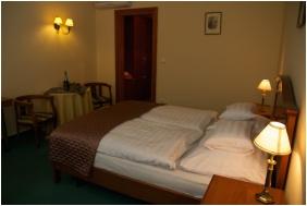 Twin room - Hotel Platan Sarvar