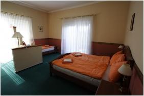 Hotel Platan Sarvar, Triple room