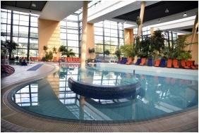 Portobello Wellness & Yacht Hotel, Inside pool