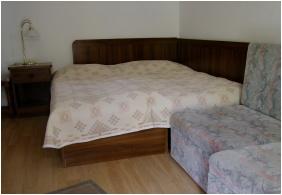 Rajna Apartman, Háromágyas szoba - Bogács