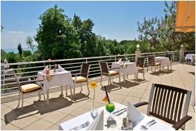 Tavasz, Ramada Hotel & Resort Lake Balaton, Balatonalmádi