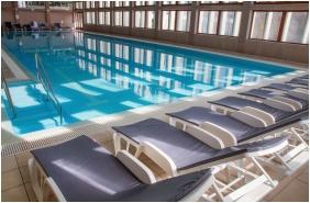 Swimming pool - Hunguest Hotel Bal Resort