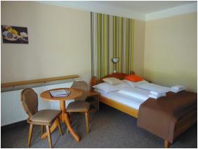 Relax Hotel Hévíznél, szobabelső - Cserszegtomaj