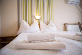 , Relax Hotel Hévíznél, Cserszegtomaj
