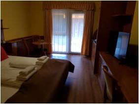 Relax Hotel Hévíznél, Cserszegtomaj,