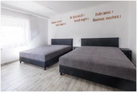 szobabelső - Róma Apartmanház