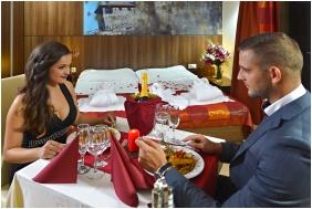 Festive place setting, Royal Club Hotel, Visegrad