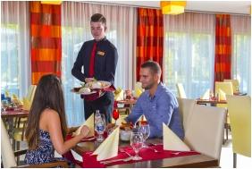 Royal Club Hotel, Visegrad, Restaurant