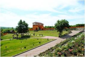 Rózsapark Vendégház, Demjén, Belső kert