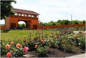 Rózsapark Vendégház, Belső kert