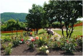 Rózsapark Vendégház, Belső kert - Demjén