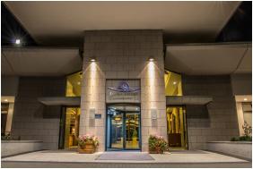 - Saliris Resort Spa & Konferencia Hotel