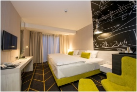 Superior room, Hotel Science, Szeged
