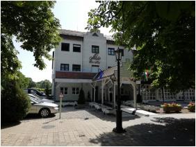 Siesta Club Hotel, Entrance - Harkany