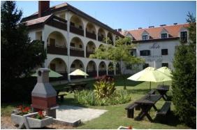 Building - Siesta Club Hotel