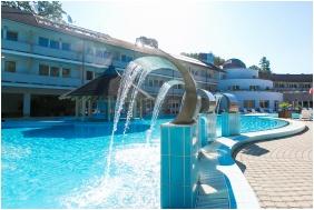 Külső medence - Ambient Hotel & AromaSPA Sikonda