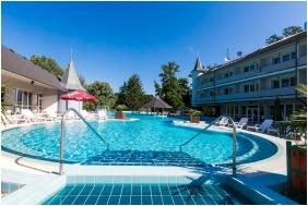 Ambient Hotel & AromaSPA Sikonda, Outside pool - Sikonda