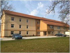 Smart Rooms Motel, Székesfehérvár, Bejárat