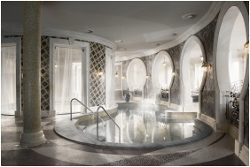 Spirit Hotel Thermal Spa, Inside pool - Sarvar