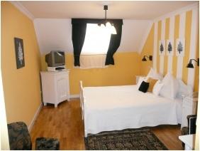 Franciaágyas szoba - Szárcsa Hotel