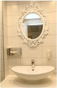 Szárcsa Hotel, Fürdőszoba