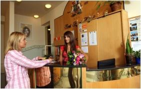 Reception - Szent Janos Hotel