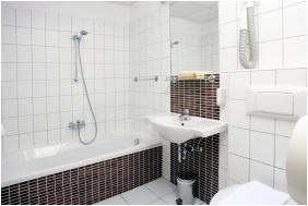 Szent Janos Hotel, Eger, Bathroom