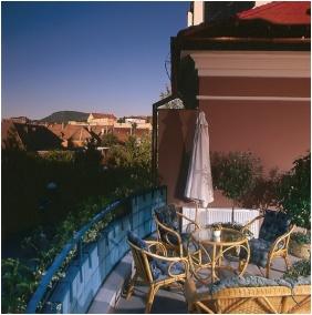 Szent Janos Hotel, Winter garden - Eger
