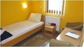 Comfort egyágyas szoba - Szent Adalbert Hotel