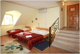 Comfort háromágyas szoba, Szent István Hotel, Eger