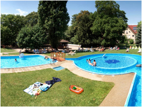 Wellness Hotel Szindbad, Swimming pool