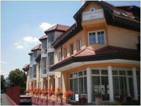 Aqua Hotel Thermal, Mosonmagyarovar, Entrance