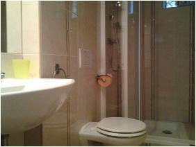Toldi Panzió, Fürdőszoba - Hévíz
