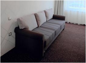 Vácz Hotel, berendezés