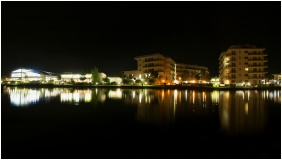 Building in the evening - Hotel Velence Resort & Spa