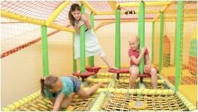 Hotel Velence Resort & Spa, Playing room for children