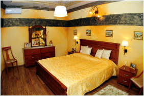 Hotel Villa Classica,  - Pápa