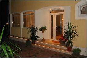 Villa Mediterran - Hévíz, Bejárat